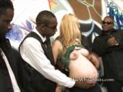 O blonda gravida muita de o gasca de negri