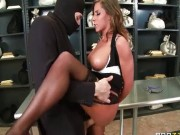 Madison Ivy fututa de un hot