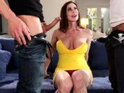 Kendra Lust belita de doi barbati hardcore