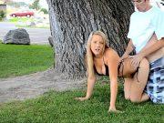 Sex pervers intr-un parc public