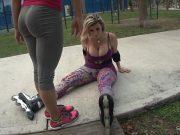 Doua prietene impart o pula de negroman